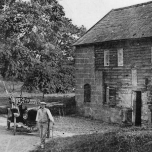 john cartwright gregory outside the mill c.1919